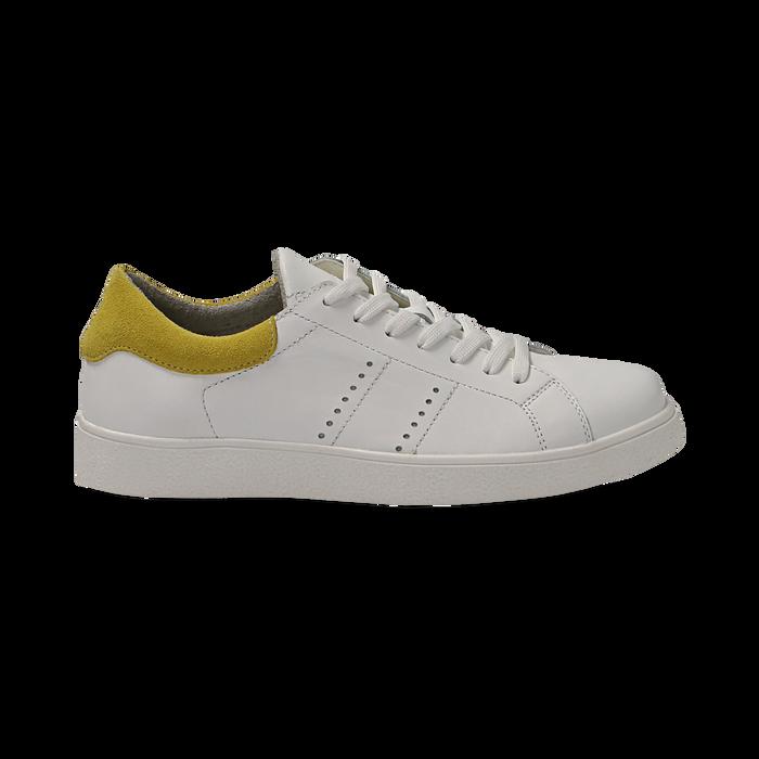 Sneakers bianche in vera pelle e dettaglio giallo in camoscio, Scarpe, 131611783PEBIGI036