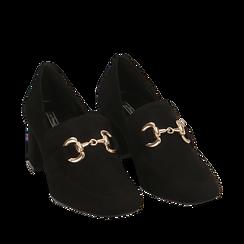 Mocasines en microfibra color negro con maxi-cadena, tacón 6 cm, Primadonna, 164981001MFNERO036, 002a