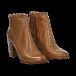 Ankle boots in vera pelle cuoio con tacco in legno 8 cm, Scarpe, 137725901PECUOI039, 002 preview