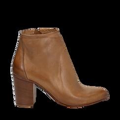 Ankle boots in vera pelle cuoio con tacco in legno 8 cm, Scarpe, 137725901PECUOI040, 001a