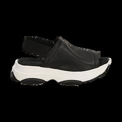 Sandali neri in eco-pelle, zeppa 4,50 cm , Scarpe, 136777206EPNERO036, 001 preview