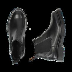 Chelsea boots neri in vera pelle, Stivaletti, 147729409PENERO036, 003 preview