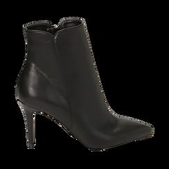 Ankle boots a punta neri in eco-pelle, tacco 8,5 cm , Stivaletti, 141764344EPNERO035, 001 preview