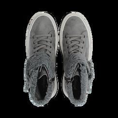 Sneakers grigie con risvolto in eco-shearling, Primadonna, 124110063MFGRIG, 004 preview