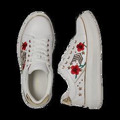 Sneakers bianche in eco-pelle con ricami, borchie e stelle gold, suola 4 cm , Scarpe, 142008359EPBIAN036, 003 preview