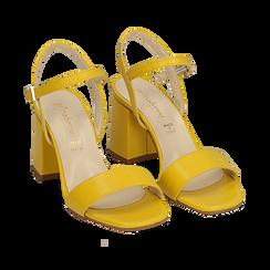 Sandalo giallo in eco-pelle, tacco 8 cm, Sandali con tacco, 136119006EPGIAL036, 002a