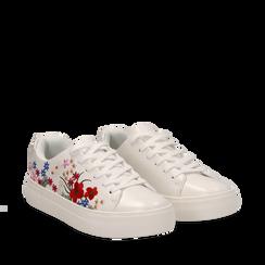Sneakers bianche in eco-pelle con ricami fiorati, Scarpe, 132618501EPBIAN036, 002a