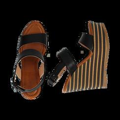 Sandali platform neri in eco-pelle, zeppa rigata 13 cm , Primadonna, 134986213EPNERO035, 003 preview
