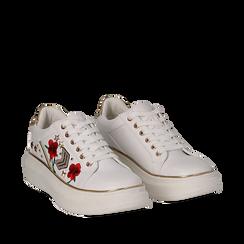 Sneakers bianche in eco-pelle con ricami, borchie e stelle gold, suola 4 cm , Scarpe, 142008359EPBIAN036, 002a