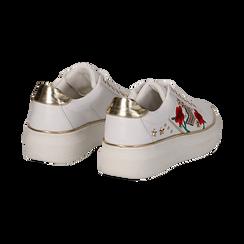 Sneakers bianche in eco-pelle con ricami, borchie e stelle gold, suola 4 cm , Scarpe, 142008359EPBIAN036, 004 preview
