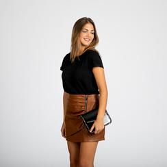 Pochette con tracolla nera in ecopelle vernice, profili mini-borchie, Saldi Borse, 123308852VENEROUNI, 005