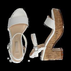 Sandali bianchi in eco-pelle, tacco in sughero 9 cm, Saldi Estivi, 138402256EPBIAN038, 003 preview