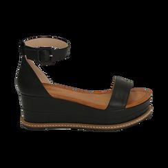Sandali neri in eco-pelle, zeppa 6,50 cm , Scarpe, 154926113EPNERO035, 001 preview