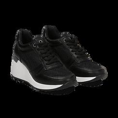 Sneakers nere in eco-pelle con zeppa,