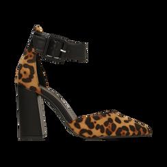 Décolleté leopard con maxi cinturino, tacco 9 cm,