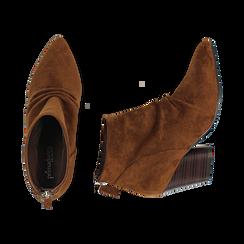 Ankle boots marroni in microfibra, tacco 7,50 cm , Primadonna, 160598311MFMARR035, 003 preview