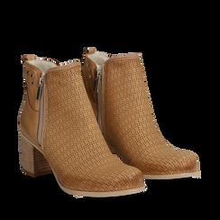 Ankle boots colore cuoio in nabuk con tomaia traforata, 117009200NBCUOI035, 002a