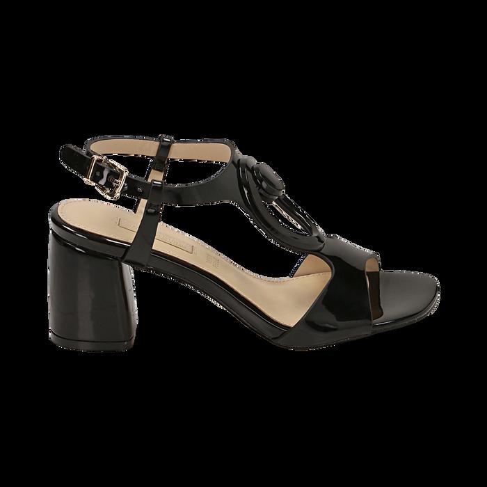 Sandalias en charol color negro, tacón 6,50 cm , OPORTUNIDADES, 152166341VENERO036