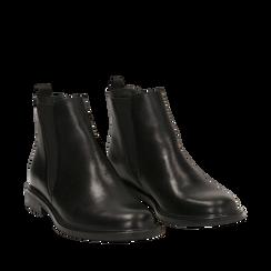 Chelsea boots neri in vera pelle, Stivaletti, 147729504PENERO035, 002a