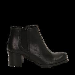 Chelsea boots traforati neri in vitello, tacco 6 cm , Scarpe, 138900600VINERO035, 001a