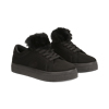 Sneakers nere con pon pon in eco-fur